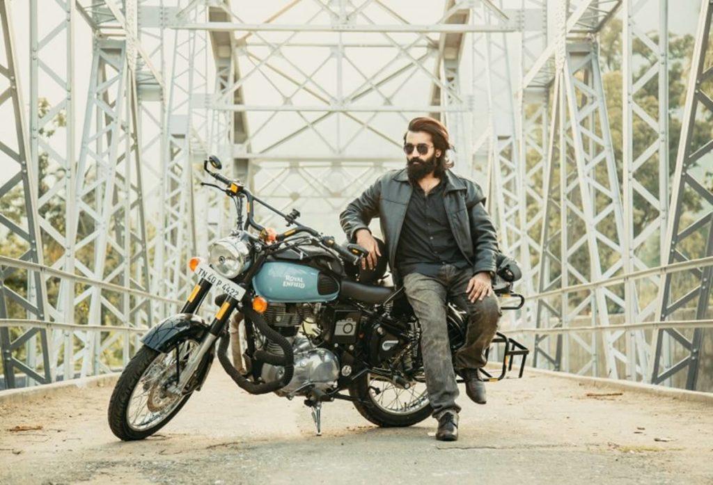 バイク好きのライダースジャケットもNG