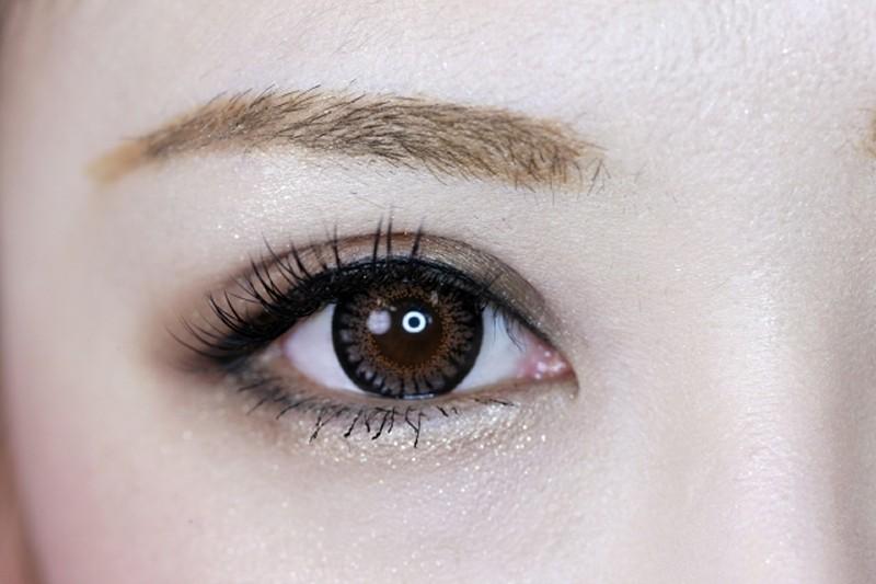 好きな男性を見ると目の瞳孔が開く