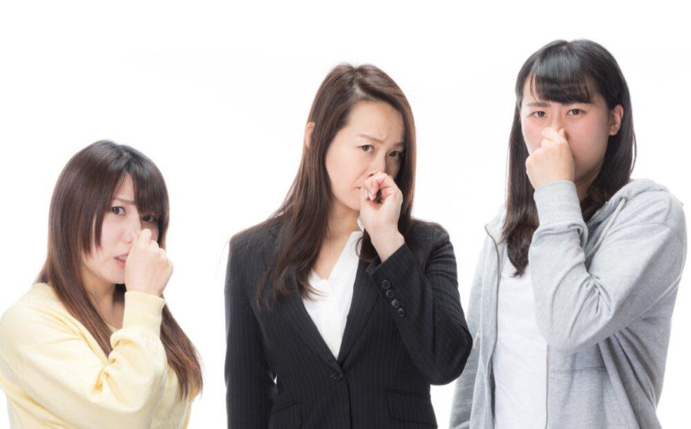 ひどい口臭の7つの原因 5つの対策で口のくさいニオイを予防・改善