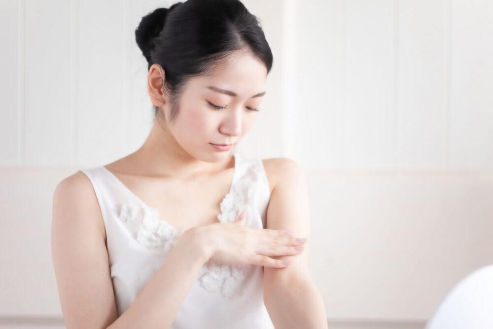 敏感肌の原因とスキンケア対策